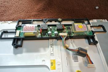 液晶モニターバックライト交換