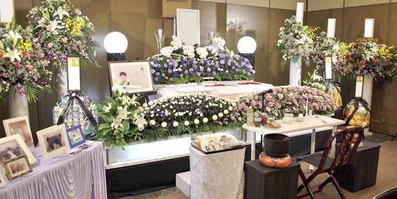 北斎場 花の祭壇