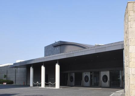 堺市立斎場の正面入り口