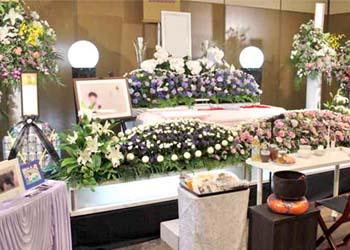 北斎場にて花祭壇の贈り物