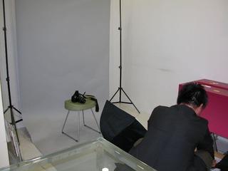 遺影写真撮影会の準備中