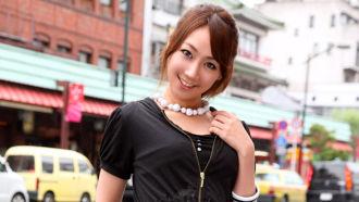 【無修正紹介】【赤西涼】元有名子役のムチムチお姉さんとニコニコ笑顔で中出しSEX♪
