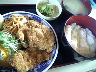 一龍川たか(チキンカツ定食)
