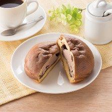 シュークリームみたいなパン(チョコ&チョコホイップ)