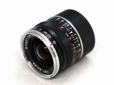 carl_zeiss_biogon_28mm_zm_black