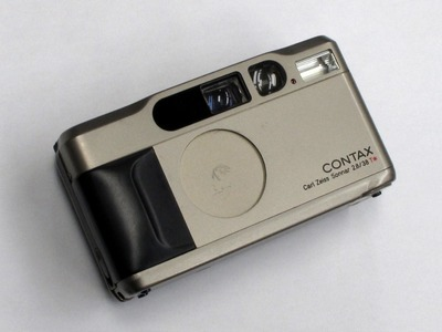contax_t2_with_databack_d