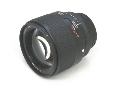 carl_zeiss_planar_85mm_n_a