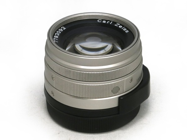 carl_zeiss_planar_45mm_g_01