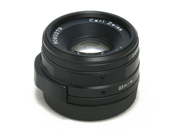 carl_zeiss_planar_35mm_g_black_01