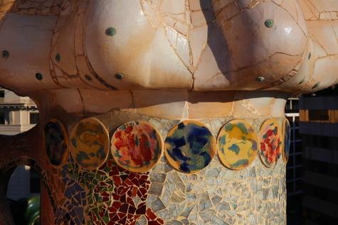 カサ・バトリョの自然光撮影 (36)
