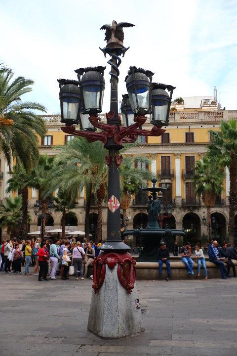 アントニ・ガウディレイアール広場の街灯
