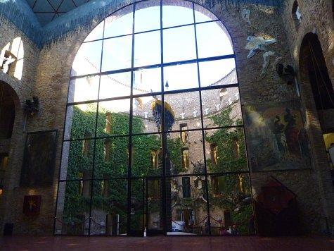 フィゲラスのダリ美術館 (12)