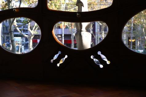 カサ・バトリョの自然光撮影 (14)