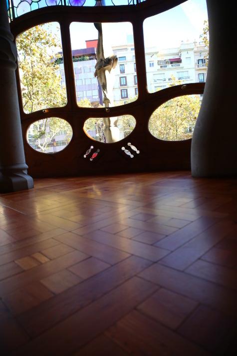 カサ・バトリョの自然光撮影 (15)