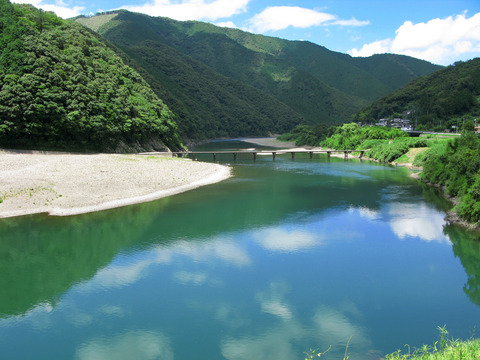 Shimanto_River_And_Iwama_Bridge_1