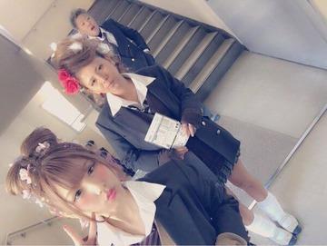 田奈高校卒業式女子高生2