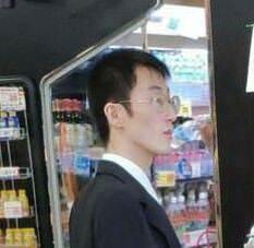 syamuさん「無職でなにが悪いねん」岡くん「無職ってバレるのやだな、スーツ着て出掛けなきゃ」