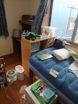 【画像】子供部屋偏差値55くらいの一般的な子供部屋おじさんの部屋が流出
