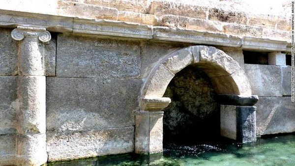gates-to-hell-hierapolis_004