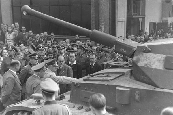 640px-Bundesarchiv_Bild_14