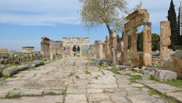 gates-to-hell-hierapolis_006