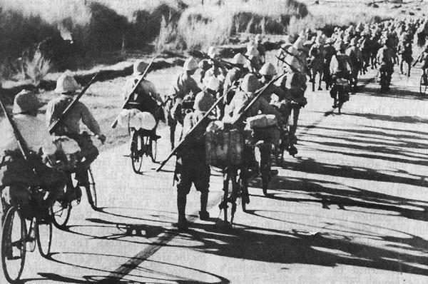 Bicycle-mounted_Japanese_Troops_in_the_Philippines