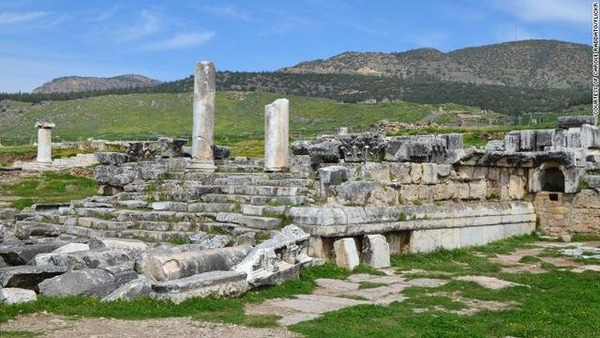 gates-to-hell-hierapolis_005