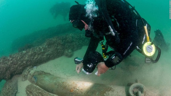 001-shipwreck-lisbon