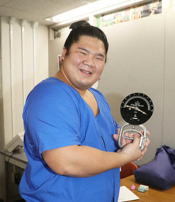 2ch大相撲 : 宇良、握力100キロオーバー!計測器の針を振り切る!!