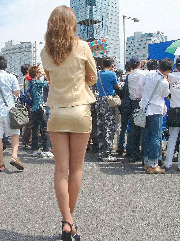 白くて綺麗な女性の足にドキッ!な画像。その2:激エロ画像掲示板 - 美人倶楽部様