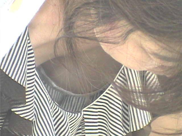形の良い乳房がはっきり浮き出たノーブラがエロ過ぎる件8