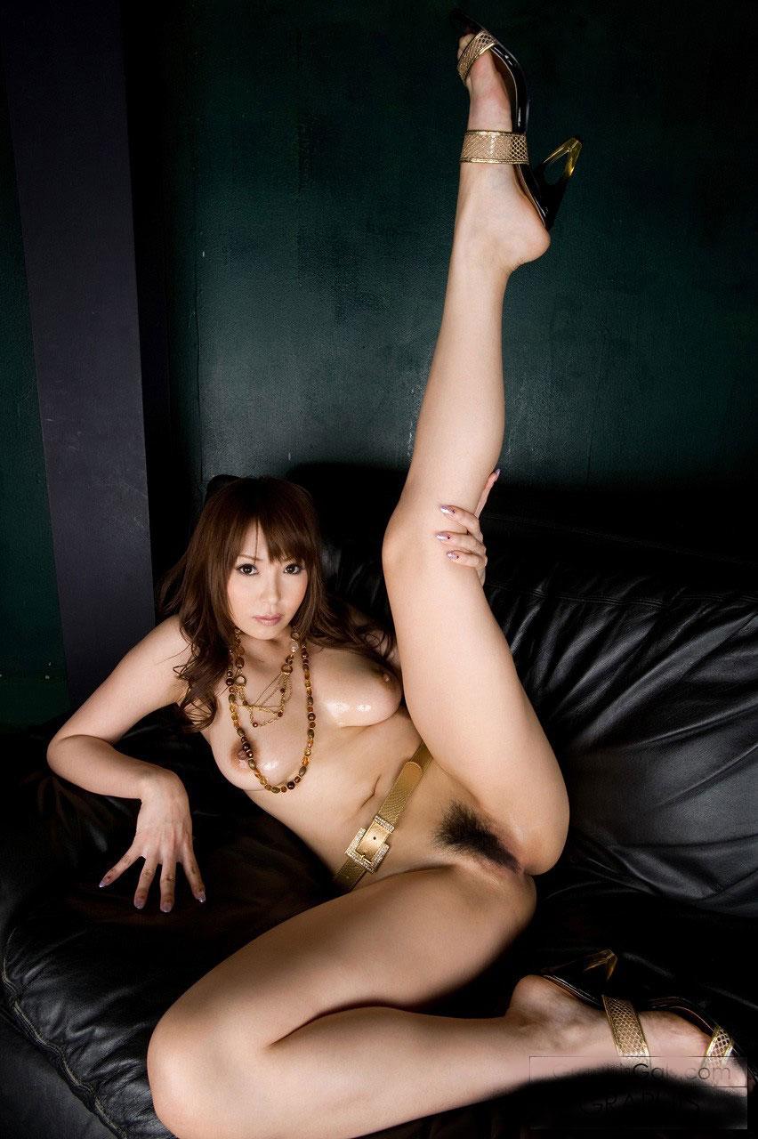美脚にハイヒールを履いたセクシーなお姉さんのエロ画像:エロログZ様
