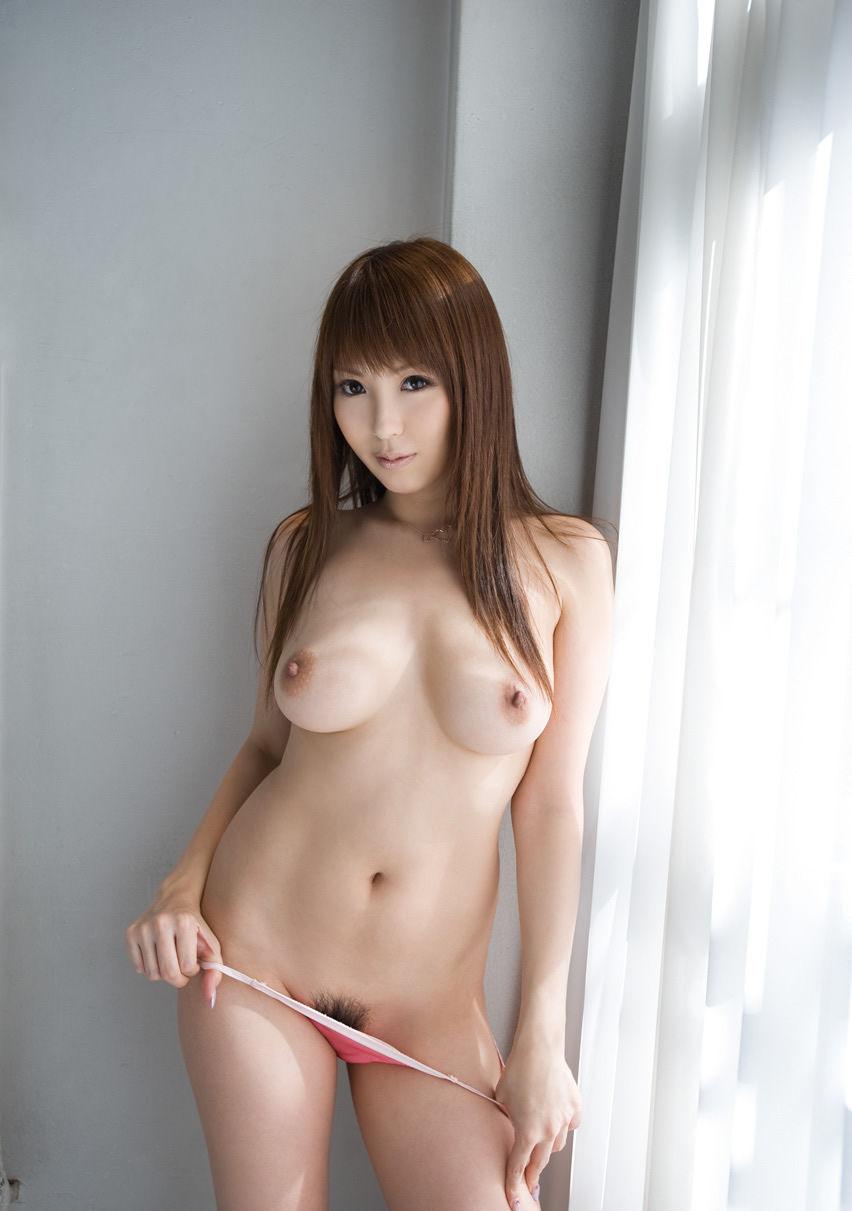 かわいい娘がおっぱいもまん毛も両方晒しちゃったら日本は栄える!24
