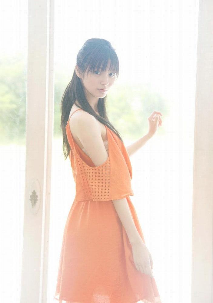 8頭身美人の新川優愛ちゃん画像まとめ。40枚:すももちゃんねる様
