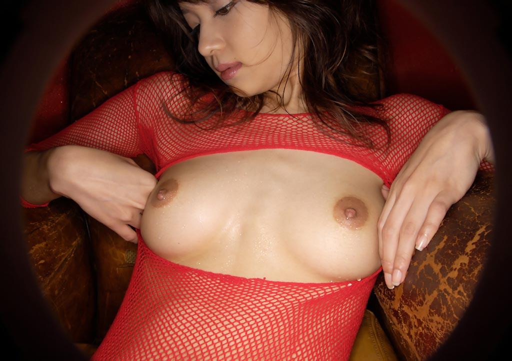 形の良い乳房がはっきり浮き出たノーブラがエロ過ぎる件13