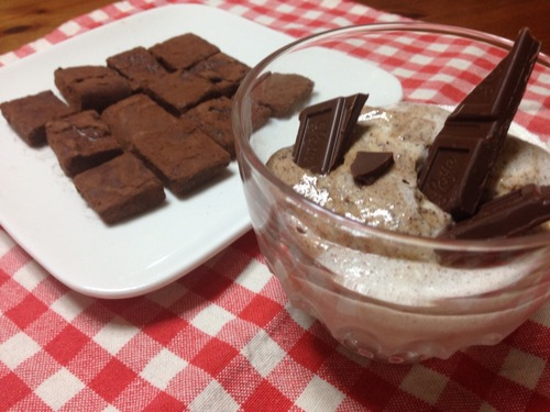 チョコレートムースと生チョコ。