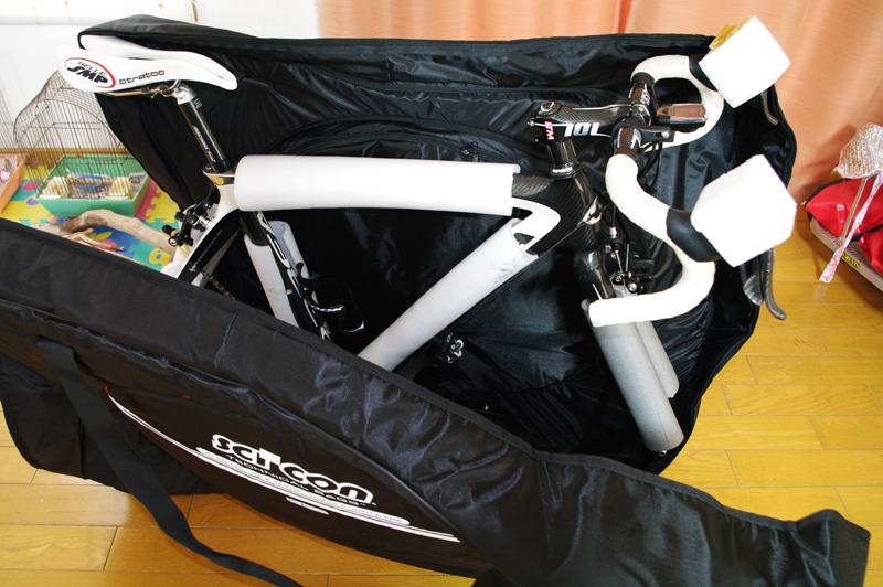 自転車の 自転車 輪行箱 : ホイール を 輪 行 バック 両側 ...