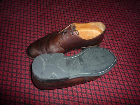 雨の日の朝、靴を選ぶ。