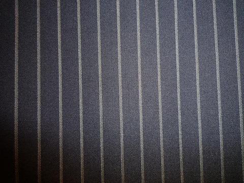 リーズナブルで高品質。カノニコ社スーパー120で夏のスーツを。(3/30)