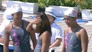 【動画】競泳水着の女子中学生ら、胸もまだ膨らみかけ?との視聴者感想