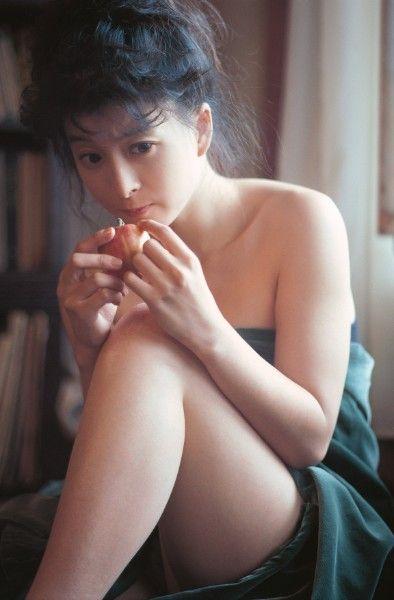 【芸能】河合奈保子 1987年に欧州で撮影されたラスト写真集の未収録を発掘