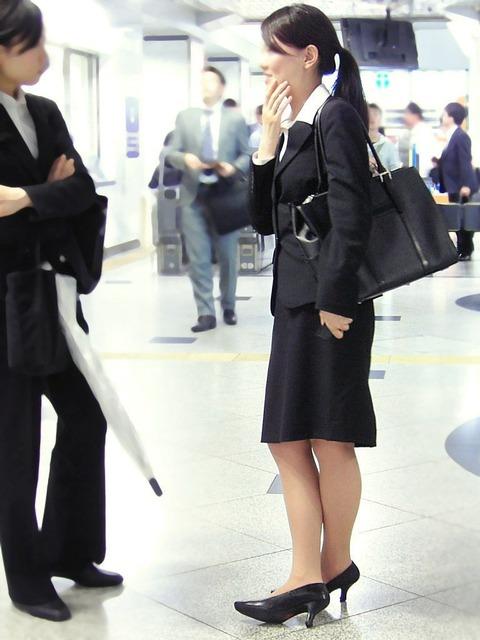 リクルートスーツフェチ、キタ━(゚∀゚)━!
