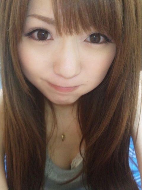 今年引退したAV女優の麻倉憂の写メの顔と髪が綺麗と評判に