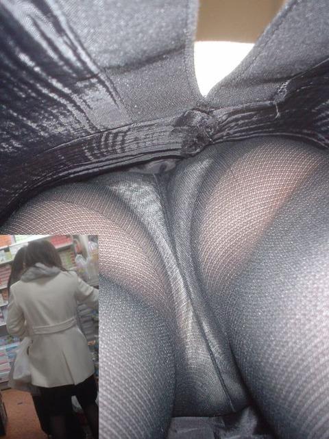 テカリで抜いた! パンスト履いた女性ばかり逆さ撮りしたったwww