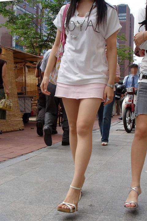 【フェチ対決】 ミニスカ女子酒飲みながら眺めるなら お姉さん vs JK どっち?