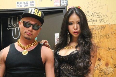 草刈正雄の娘がテレビ初出演 セクシー過ぎる風貌にスタジオ騒然