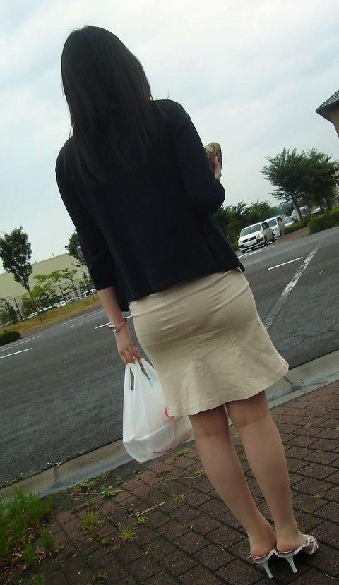 なんかイイよね! OLさんが財布持って買い物中を隠し撮りしたった