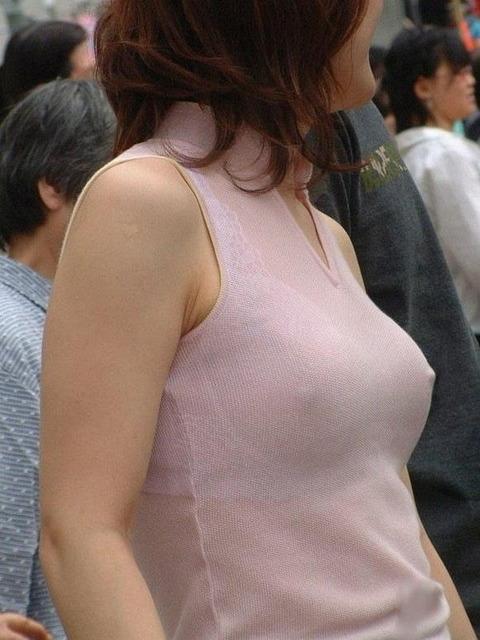 裸にブラとはまた違った、間接的なエロさがたまらん透けブラ画像が集合