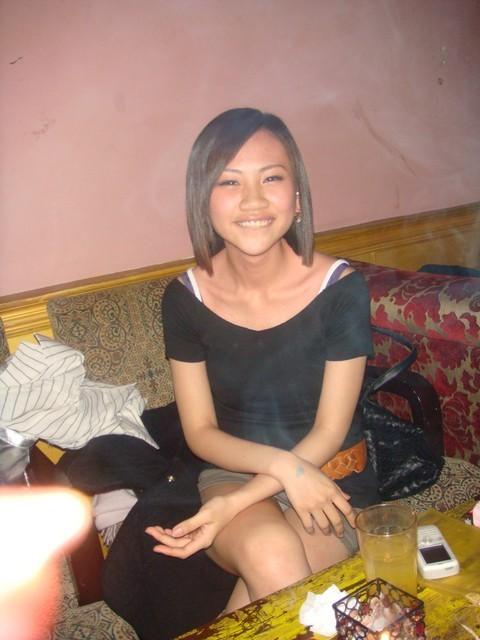 隠す気がほとんどない台湾女性たちのパンチラ写真がエロい!!