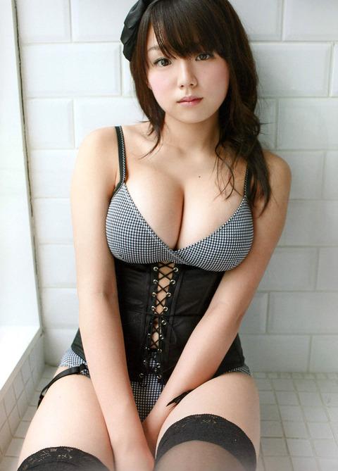 篠崎愛のエロさなんなの、たまらん!!